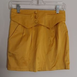 Forever 21 Yellow/Gold Satin Mini Skirt Size Small